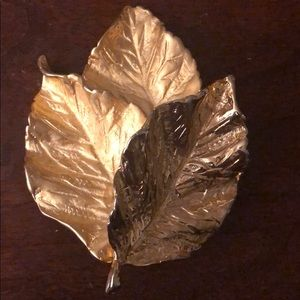 Vintage leaf broach